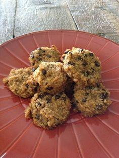 Making it Milk-free: Peanut Butter Chocolate Chip Quinoa Cookies {Dairy, Egg & Gluten Free}