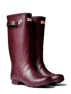 Hunter Mississippi State colored rain boots, for those slightly wetter game days.