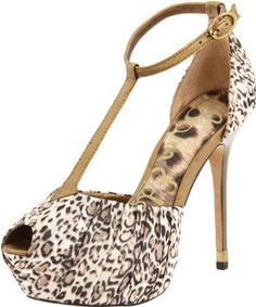 Sam Edelman Women's Mckenna Platform Sandal -- Learn more by visiting the image link. Studded Sandals, Women's Sandals, Unique Shoes, Platform Wedge Sandals, Pumps, Heels, Jewelry Stores, Wedges, Image Link