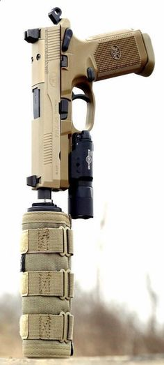 Suppressed FNX riflescopescenter...