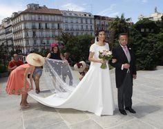 Blanca Moreno, hija mayor de Nieves Herrero, se casa con el arquitecto Elu Moreno en Madrid