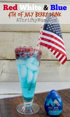 July 4th RED WHITE AND BLUE Berry Drink that is super easy to make with MiO, only need 3 things to make it #July4th, #recipes #MiO