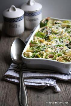OBERS TRIFFT SAHNE: Deftig, aber leicht: Gerollte Pasta mit Wirsing, Speck und Knoblauch