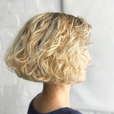 Best +10 Hairstyles For Short Curly Hair 2018