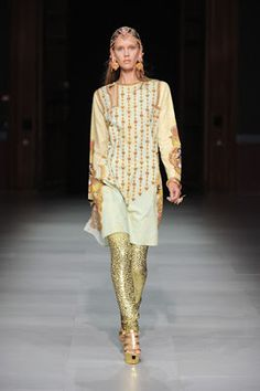 New Spring Summer Dresses Of 2013-2014 For Women By MANISH ARORA. Manish Arora is best and amazing fashion dress designer of women. This is know fashion designer very popular in all world. Recently Manish Arora introduced his best women collection of 2013-2014. His women dress collection of 2013-2014 is really nice and new for women to new look for fashion. This is top class collection of 2013. In this collection of women dresses Manish Arora added every design in latest look.