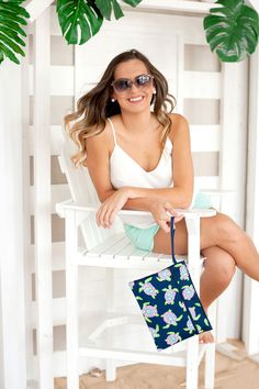 Sometimes the right clutch is all that it takes to pull an outfit together! Whether you are planning a night out with your favorite bridesmaids or getting ready together the morning of your big day, this zippered bag is the perfect size to hold everything you need. Monogram Clutch, Monogram Tote Bags, Turtle Pattern, Turtle Bay, Medicine Bag, Personalized Gifts For Her, Wet Bag, Monogram Styles, Custom Bags