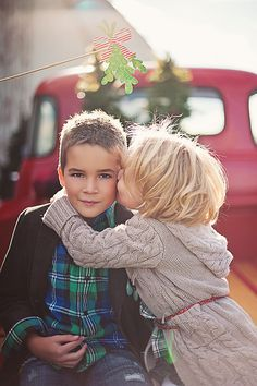 Mistletoe!!! Cute Christmas picture. Children's photography. Christmas mini session and photo shoot!
