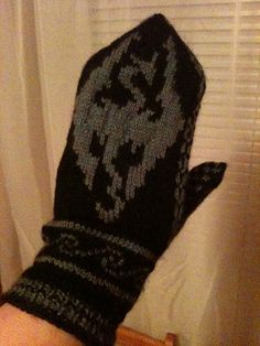 Skyrim Mittens oh my gosh I know a bunch of kids who would love these!!! @Samantha Wills-Wilson