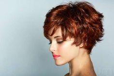 Cortes de pelo rizado corto para mujeres otoño/invierno 2014-2015: fotos looks - Pelo corto pixie ligeramente ondulado
