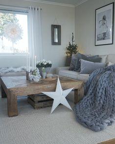 Slave etter tradisjoner! Nå ligger mitt nye blogginnlegg for @abito.no ute, LINK I MIN PROFIL! Jeg deler personlige tradisjoner fra min oppvekst, og veien fram til hvordan min jul er i dag. SÅ! Glad jeg hadde blitt om du ville lese dette🙌🏻🎄✨❣️ ________________ #interior4all #interior123 #boligpluss #homeinterior4you #charminghouses #dream_interiors #inredningsdesign #interior125 #asafotoninspo #boligliv #inredningsdesign #dagensinteriør #interior2you #interior #skandinaviskehjem… Nye, Cosy, Instagram, Home Ideas