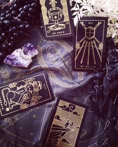 Golden Thread Tarot is a modern tarot deck printed with gold foil. Comes with a simple, beautiful tarot app that helps track your readings, learn tarot and more. Learn tarot with us.
