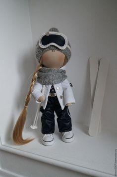 Купить или заказать Интерьерная кукла - Лыжница в интернет-магазине на Ярмарке Мастеров. Куколка, ищет свой дом! Станет отличным подарком Для ваших близких!!! Принесет в дом много радости и счастья. выполнена полностью вручную. стоит самостоятельно.