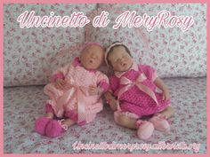 Dressed for reborn doll knitted #completino #bimba #baby #bebè #bebe #tutina #vestitino #dress #handmade #fattoamano #diy #uncinetto #crocheted #crochet #knitting #knitted #bambola #bambole #reborn #bambolereborn