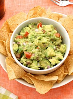 3 Unbelievably Easy Steps For The Perfect Guacamole #refinery29