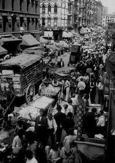 New York, 5th Avenue on Easter Sunday, 1900 #History #HistorySerendipity History 1900 - 1919