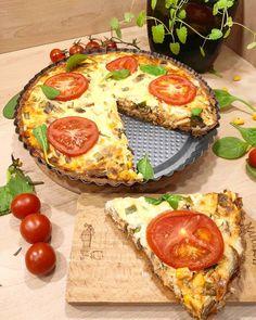 """Polubienia: 123, komentarze: 6 – @apetycznyblog na Instagramie: """"Wytrawna tarta 🤤🔥 Składniki: Spód tarty: - 200g mąki pełnoziarnistej - 100g masła - 1 jajko - łyżka…"""" Vegetable Pizza, Quiche, Vegetables, Breakfast, Food, Morning Coffee, Essen, Quiches, Vegetable Recipes"""