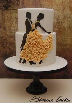 """Um perspectiva diferente, ideal não para o bolo de casamento mas para decorar a mesa de um """" #GoldWedding"""""""