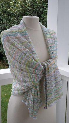 Etole écharpe foulard châle femme  dentelle  agréable   mariage blanc et  jaune 7a1811f42b0