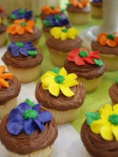 Flower Cupcakes and Cupcake Decorating Ideas