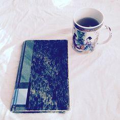 Zielono. #bookmorning #bookstagram #bookstagrampl #bookfeature #bibliophile #ubik #fantastyka #philipkdick #czytaniejestfajne #czytaniemoimtlenem #bookworm #czytambolubię #booknerd #bookworm #dzieńdobry #goodmorning #mólksiążkowy #herbata #czasnaherbatę