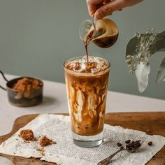 Food Photography Tips, Coffee Photography, Nectar Recipe, Cafe Posters, Coffe Recipes, Food Graphic Design, Tea Design, Chocolate Milkshake, Food Advertising