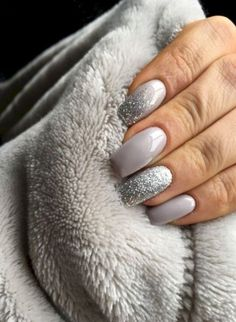 36 perfect and outstanding nail designs for the winter of dark color nails; Gel n 36 perfect and outstanding nail designs for the winter of dark color nails; Gel n … – Most Trending Nail Art Designs in 2018 Dark Color Nails, Gray Nails, Silver Nails, Glitter Nails, Grey Acrylic Nails, Acrylic Nail Designs Glitter, Grey Nail Art, Shellac Nails, Winter Acrylic Nails
