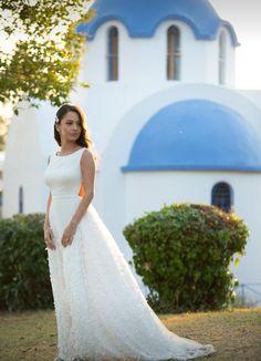 Brides, White Dress, Dresses, Fashion, White Dress Outfit, Moda, Vestidos, Fashion Styles, Bride