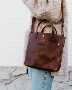 Portland Leather Goods - Tote bags, leather journals, passport covers, and other leather goods handmade in Portland, Oregon. Fashion Mode, Look Fashion, Winter Fashion, Womens Fashion, Fashion 2020, 2000s Fashion, Classy Fashion, Petite Fashion, French Fashion