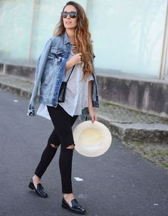 look jaqueta jeans calça preta