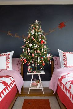 62 Stunning New Ways to Decorate Your Christmas Tree  - CountryLiving.com