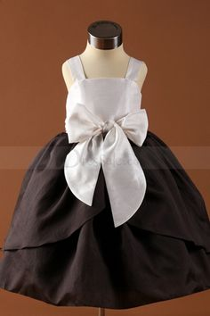 Puffy Two Layer Flower Girl Dress Attached with Silky Bowtie