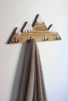 Cabideiro de parede inspirado nos cumes gelados das montanhas Cabideiro  Madeira, Cabideiro De Parede, 7a805285d1