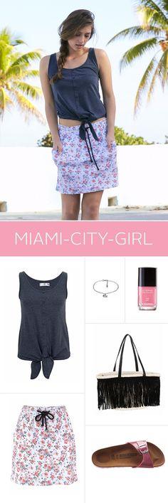 """Welcome to Miami! Echte Citygirls aus der """"magischen Stadt"""" mögen es aufgrund der Hitze gerne luftig – aber immer top gestylt. Dazu gehören auf jeden Fall elegante Items wie die Fransentasche, Ketten und strahlende Nägel!"""
