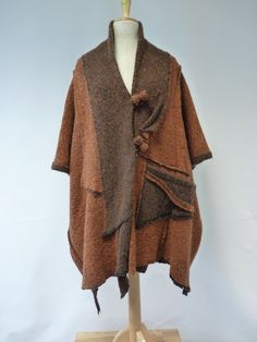 Sale, new price 150 EUR, original price 190. Amazing loose-fitting felted coat…