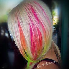 Neon underlights // Patrizia Conde Vivid Hair Color, New Hair Colors, Vivid Colors, Hidden Hair Color, Unicorn Hair Color, Underlights Hair, Peek A Boo, Neon Hair, Silver Grey Hair