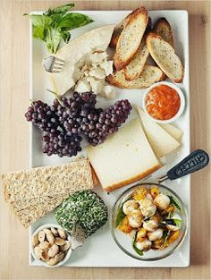 Master the cheese plate. I've mastered it so well that I am the cheese plate. Think Food, Love Food, Appetizer Recipes, Appetizers, Yummy Food, Tasty, Healthy Food, Le Diner, Cheese Platters