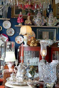 feira no Bixiga: antiguidades preciosas