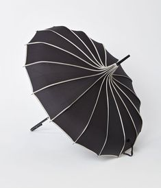 Vintage Style Black & Polka Dot Tan Princess Pagoda Umbrella – Unique Vintage