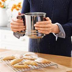 Avon Living Baker's Necessities Sifter
