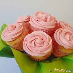 Cupcakes-In-The-Pink-with-Cherries