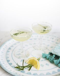 RECIPE :: ROSEMARY LEMON DROP COCKTAIL - coco+kelley