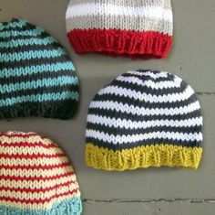 baby knit hats. love these colors.