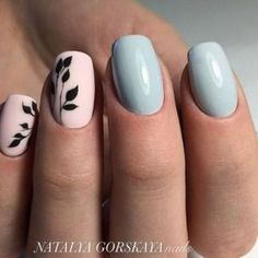 Opting for bright colours or intricate nail art isn't a must anymore. This year, nude nail designs are becoming a trend. Here are some nude nail designs. Love Nails, How To Do Nails, Fun Nails, Manicure E Pedicure, Nagel Gel, Accent Nails, Trendy Nails, Nail Arts, Spring Nails