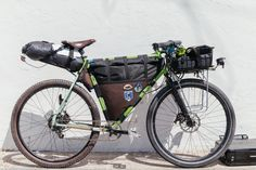 You might recognize this one... When Nils got hit by a car, totaling his Chumba, he had to convert his Cycle Fab Surly LHT Cargo machine back to a 700c touring bike for every day rides. Now, it's hi...