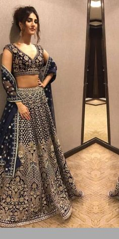 The latest collection of Lehenga choli designs online on happyshappy! Also available in simple, wedding, bridal, rajasthani styles images, find hairstyle on lehengas cholis ideas and save your favourite once. Indian Bridal Outfits, Indian Bridal Lehenga, Indian Designer Outfits, Pakistani Outfits, Indian Dresses, Indian Anarkali, Lehenga Wedding, Wedding Gowns, Wedding Wear