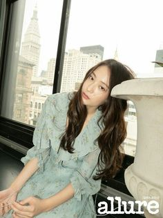 Krystal is a chic city girl in New York for 'Allure' Krystal Jung Fashion, Jessica Jung Fashion, Krystal Fx, Jessica & Krystal, Kpop Girl Groups, Korean Girl Groups, Kpop Girls, Angelababy, How To Look Classy