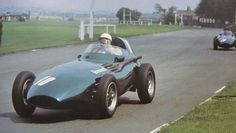 1957 GP Wielkiej Brytanii (Aintre) Vanwall 57 (Stirling Moss) British Grand Prix, Caller Id, Stirling, Formula One, Le Mans, Diecast, Race Cars, Engineering, Racing