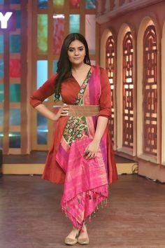 Indian Hot TV Anchor Sreemukhi Photo Shoot In Maroon Dress 2018