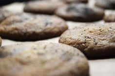 Galleta de Sésamo con Chocolate y Salsa de Soja | Recetas and Co. (www.recetasandco.com)  No te esperabas la salsa de soja en un galleta, no?