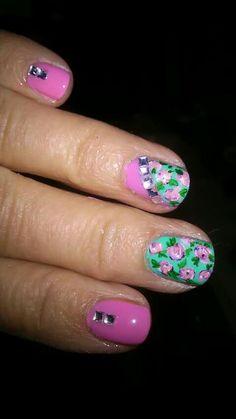 Nail floral roses Design